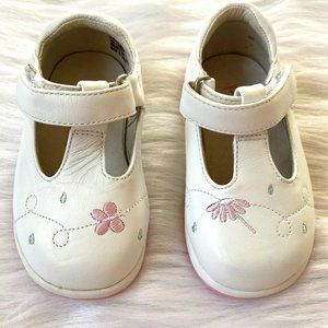 Jumping Jacks White Leather T-Strap Mary Janes 4W